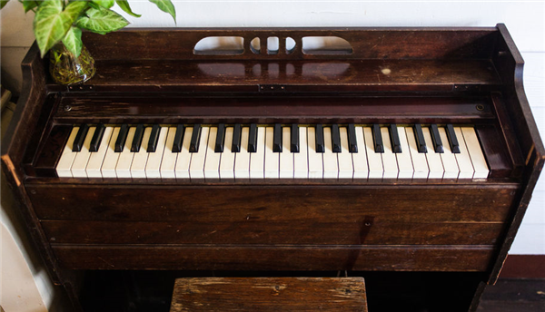 How to Safely Move a Piano to Your New Home
