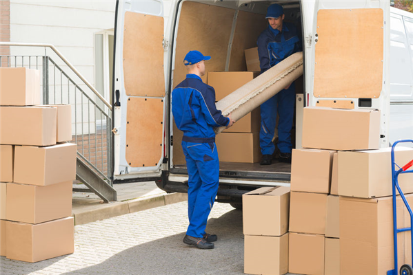 What Questions to Ask a Moving Company Before Hiring Them